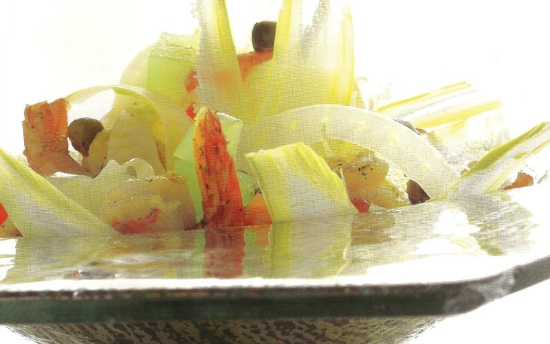 Σαλάτα φινόκιου σε διάφορες υφές με γαρίδες