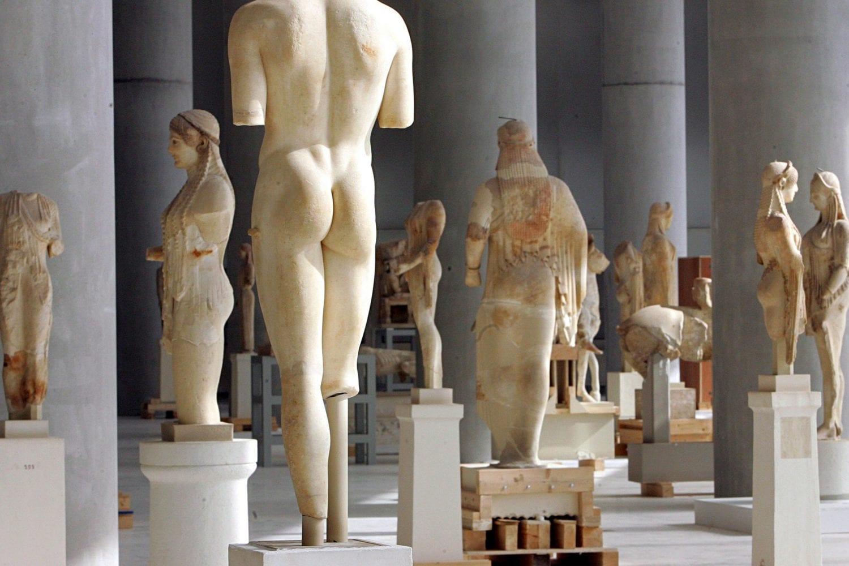 Corriere della Sera: Αγαπητή Μέρκελ, έλα στην Ελλάδα να θαυμάσεις την τέχνη και την ομορφιά