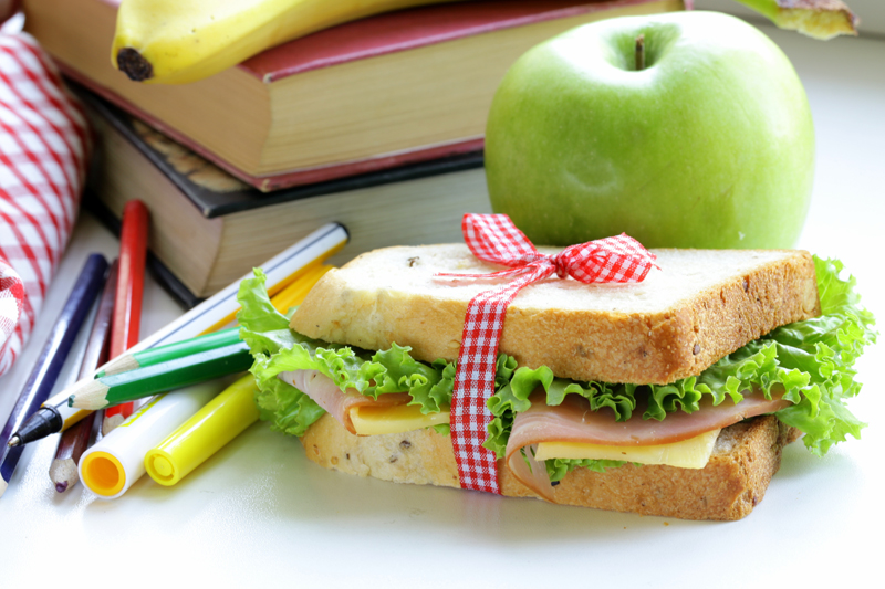 sandwitch, school, apple, pencils, books