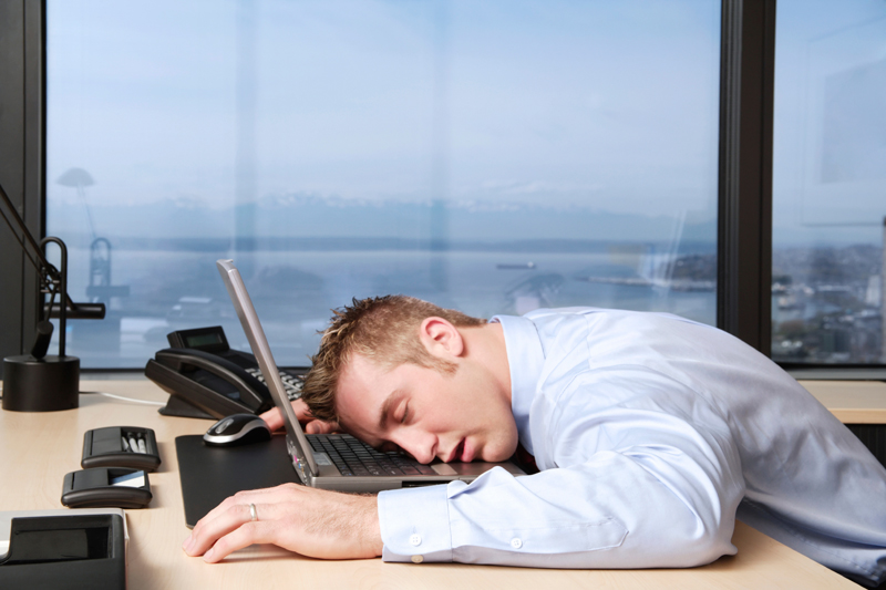 sleeping-at-work-Υπνηλία στη δουλειά; Ίσως φταίει ο ελλιπής αερισμός