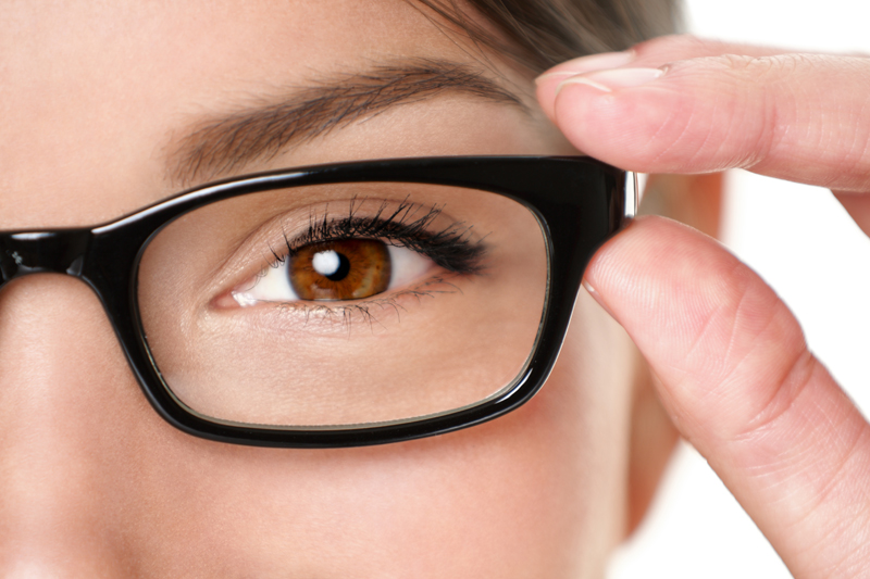 glasses-close-up - Δείτε καθαρά