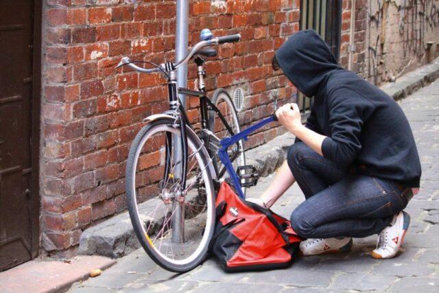 Οδηγός επιβίωσης... για ποδηλάτες στην πόλη