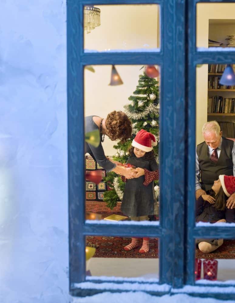 window, christmas-family