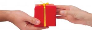 hands-gift-christmas