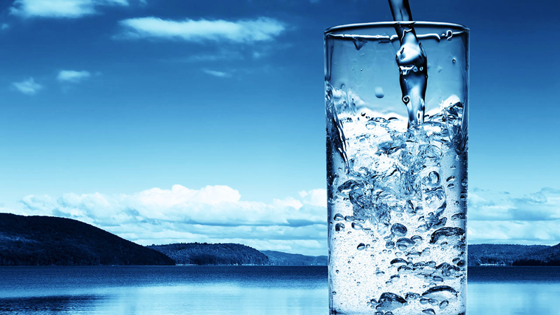 Drinking-Water-Πόσο καθαρό είναι το νερό που πίνουμε;-naturanrg