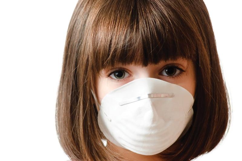 child-mask-Ο καρκίνος επιτίθεται στα παιδιά των καπνιστών