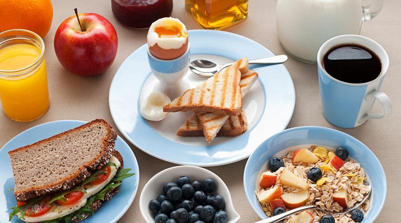 healthy-breakfast-table