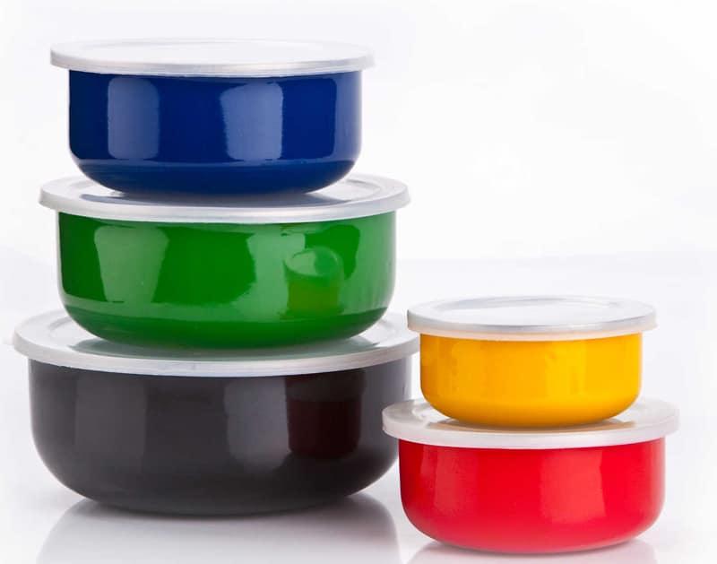 Depositphotos-Χημικό σε πλαστικά κάνει τα αγόρια θηλυπρεπή-naturanrg