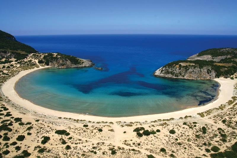 Voidokilia-Beach1-Costa Navarino. Ουδέν... καλόν αμιγές κακού!