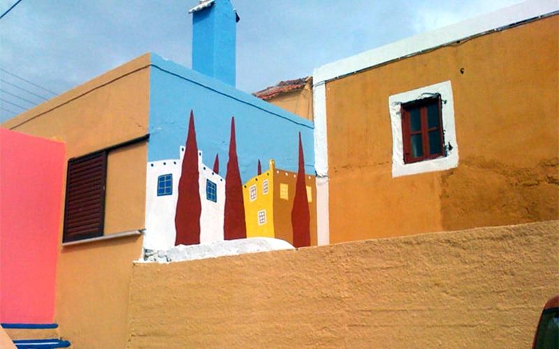 Ένα πολύχρωμο χωριό στην Ελλάδα