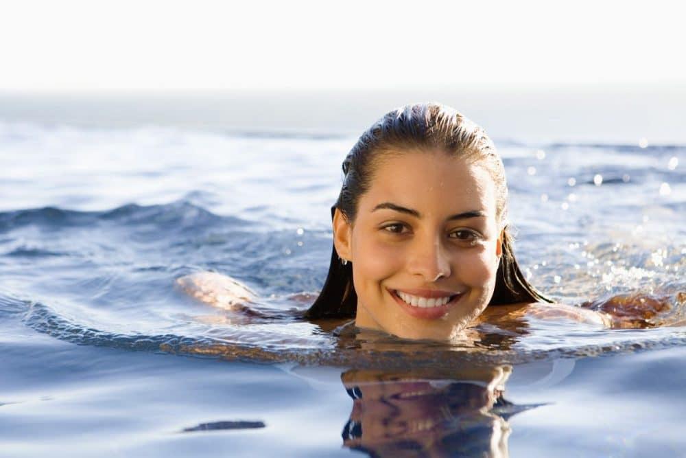 Πώς βοηθά το κολύμπι σε διάφορες παθήσεις;
