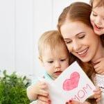 Πώς η ενασχόληση της μητέρας με την πνευματική της ανέλιξη βοηθά και στην ανέλιξη του παιδιού της;