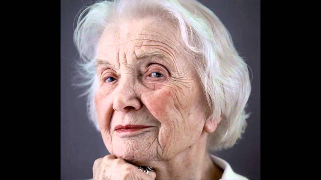 """Από τα 60 και άνω, η """"δύσκολη"""" μετάβαση από τη μέση στην τρίτη ηλικία."""