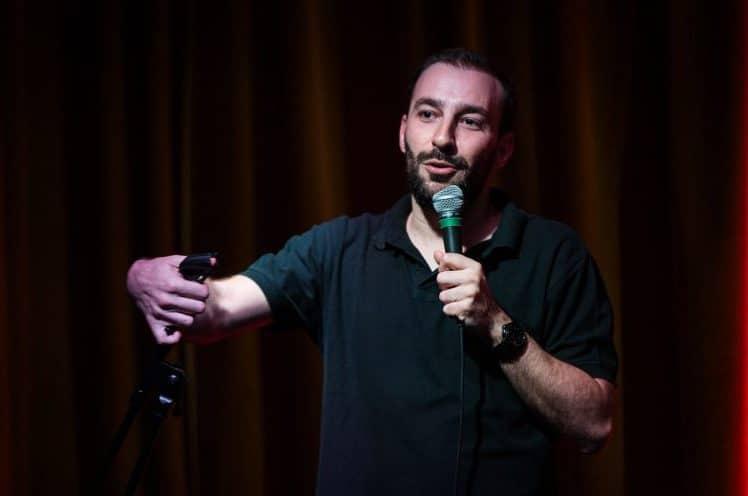 Η Stand Up Comedy σε συνάντηση κορυφής! Συνέντευξη με Angelo Tsarouchas & Γιώργος Χατζηπαύλου