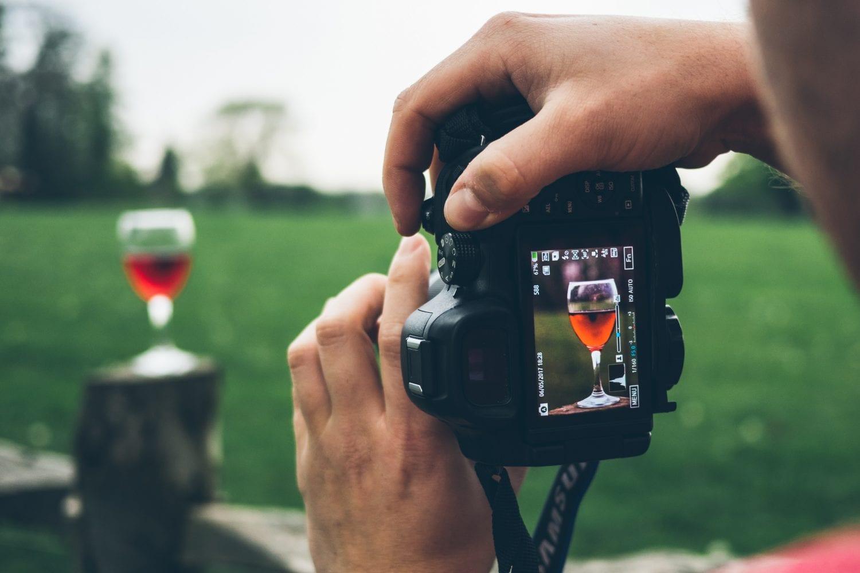 Ταξιδεύοντας στο χρόνο με ένα ποτήρι κρασί!