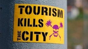tourismos-fobia-nekrokefali-Naturanrg