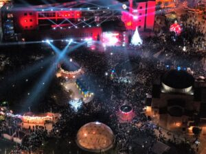Ο Δήμαρχος Περιστερίου Ανδρέας Παχατουρίδης φωταγώγησε το Χριστουγεννιάτικο Δέντρο με 20.000 και πλέον πολίτες