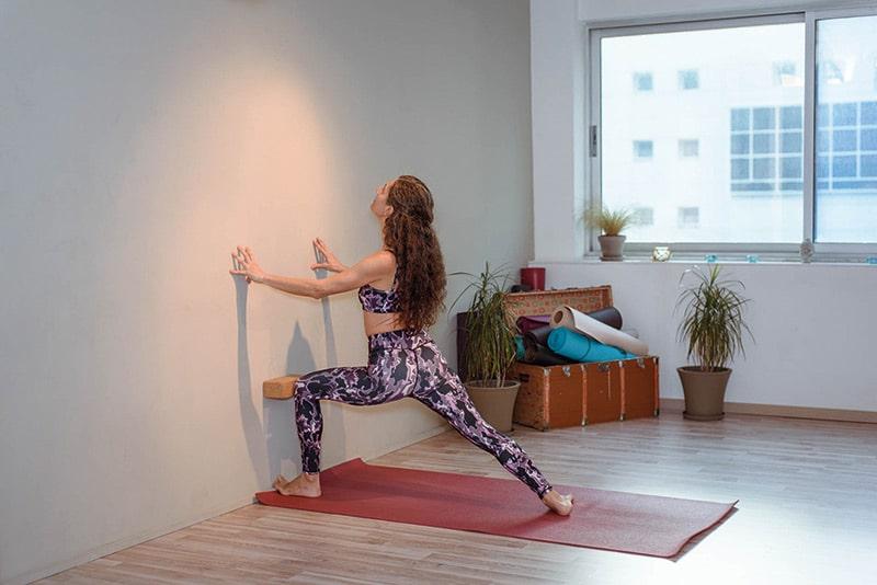 yoga-asana-touvlo ston toixo