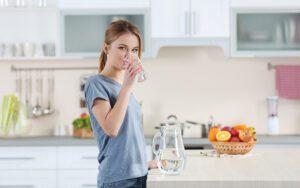 Πώς να κάνετε φυσικό καθαρισμό παχέος εντέρου στο σπίτι